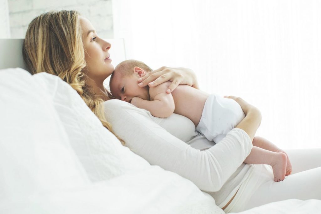 Imagenes de mamas con sus bebes para el dia de mama